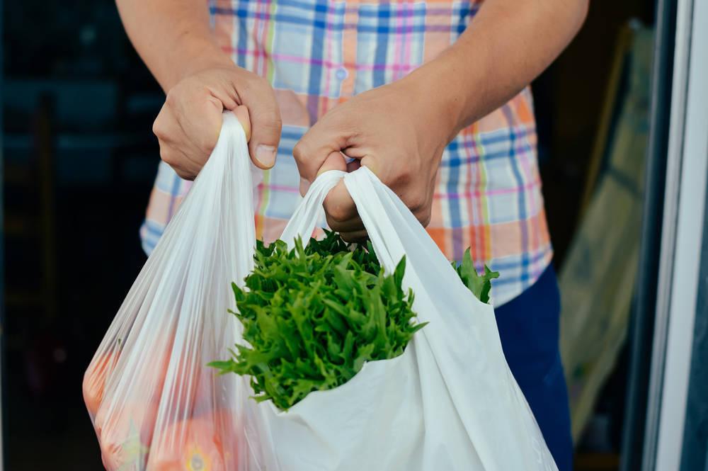 Qué dice la Ley sobre la reducción de las bolsas de plástico