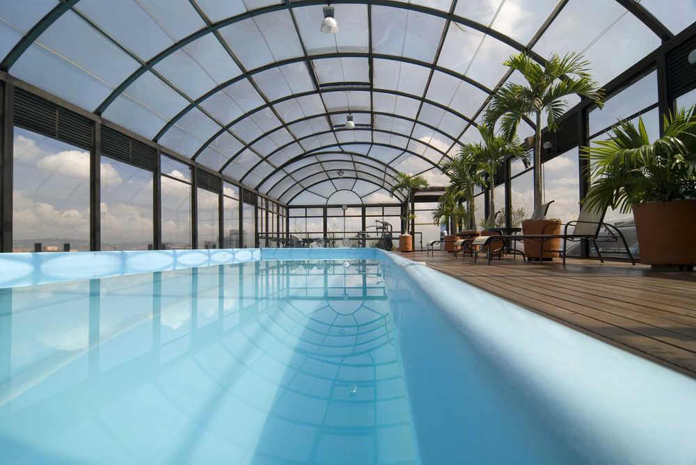 Las soluciones empresariales en las cubiertas de las piscinas